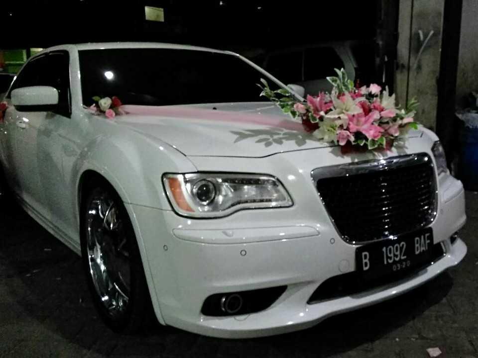 sewa chrysler, rental mobil chrysler ,sewa mobil mewah, rental mobil pengantin, wedding car
