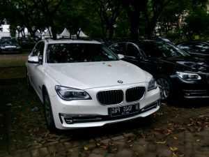 rental mobil mewah, sewa mobil mewah, Wedding car, sewa mobil pengantin, rental mobil pengantin Rental BMW, sewa BMW, rental mobil vellfire jakarta, bandung,cirebon, bogor, tangerang, bekasi, karawang, banten